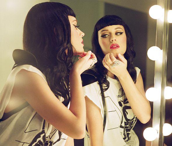 """Katy Perrys neue Single """"Wide Awake"""" wurde extra für den 3D Film """"Katy Perry: Part of me"""" geschrieben."""