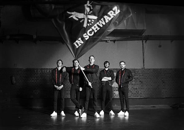 Kraftklub Tour 2014 mit neuem Album IN SCHWARZ
