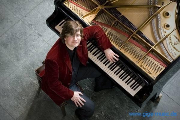 Stephan Graf von Bothmer auf Deutschlandtournee mit seinem neuem Nosferatu-Programm. Tickkets bei giga-music.de