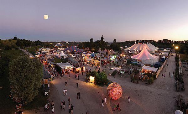 Auch 2014 findet das Tollwood Festival wieder im Juli statt (Foto: Markus Dlouhy / www.tollwood.de)