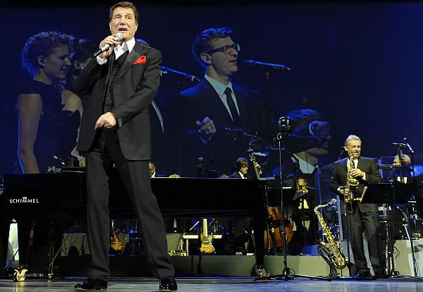 Udo Jürgens 2014 wieder live auf Tournee (Foto: Sony Music Germany/ Pressefoto 2013 - Best Of Live - Die Tourneehöhepunkte Vol.1 (c) Dominik Beckmann)