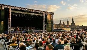 Bei den Filmnächten in Dresden 2012 gibt es Konzerte gemischt mit Filmen. Karten sichern unter giga-music.de