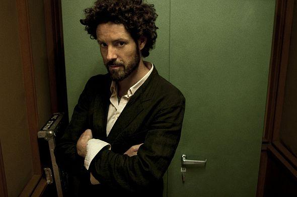 Max Herre spielt Konzerte in München, Wolfsburg und Heidelberg. Anschließend tritt er auf mehreren Festivals auf.